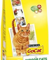 Go Cat Complete Dry Food Indoor with Chicken & added Garden Greens / 2kg